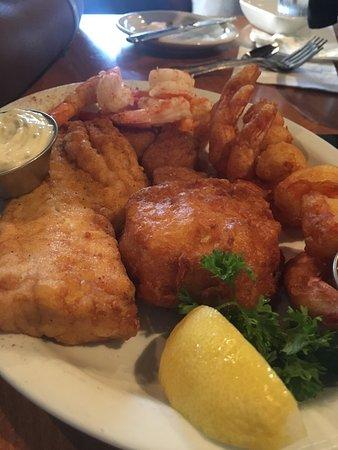 Bowie, MD: Saturday Lunch (platter was yummy)
