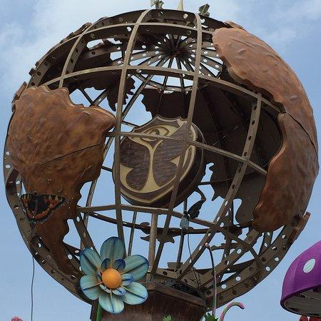 Boom, Bélgica: Símbolo do festival acima do posto de informação da entrada