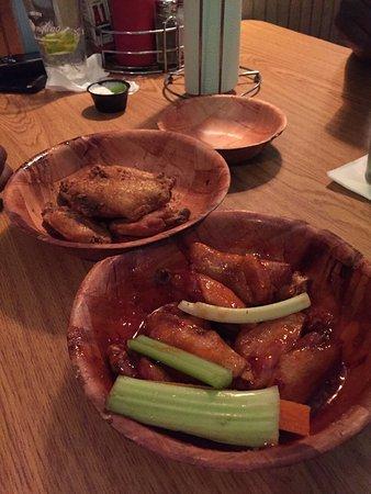 Clifton, Nueva Jersey: Blackened and Teriyaki wings