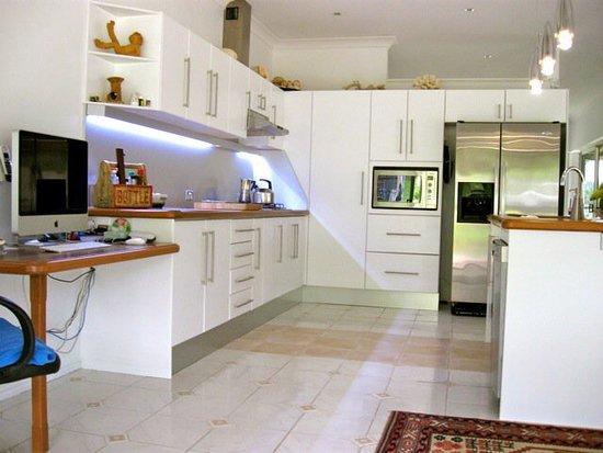 Tallebudgera, Australia: Ingleside Stud Farm Main Share House/Kitchen