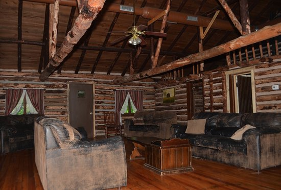 Blue Springs Ranch: The Log Cabin is an old, original log cabin. Charming.