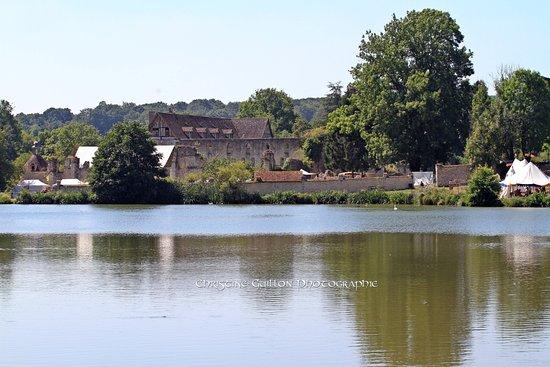 هوت نورماندي, فرنسا: vue de l'autre côté de l'étang