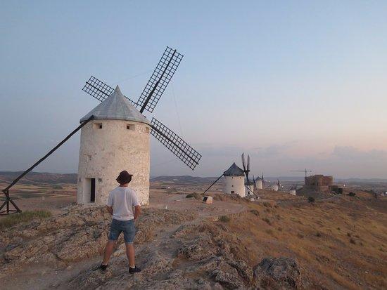 Windmills : Estos molinos fueron los que inspiraron a Cervantes para escribir sobre la batalla del Quijote.