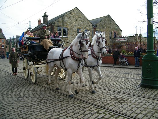 Period transport in Beamish town