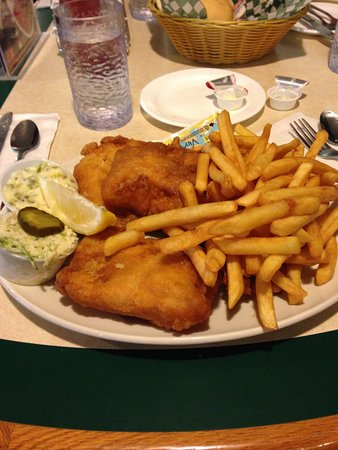 Cedar House Bakery and Restaurant: Fish and chips