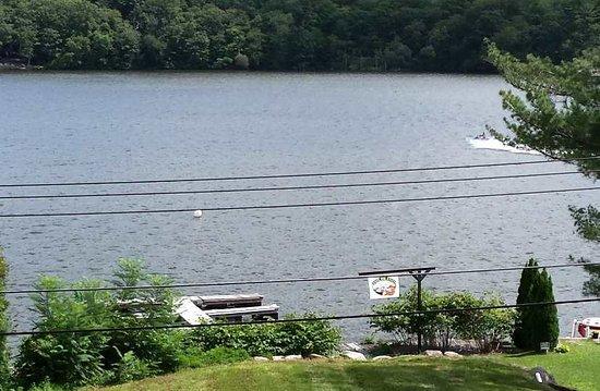 Hewitt, NJ: Fox Island's Dock on Greenwood Lake