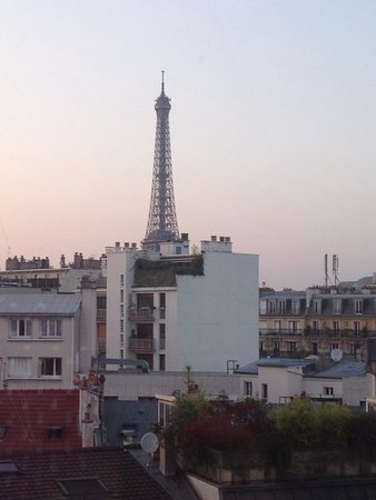 Ibis Tour Eiffel Cambronne: Vista do quarto