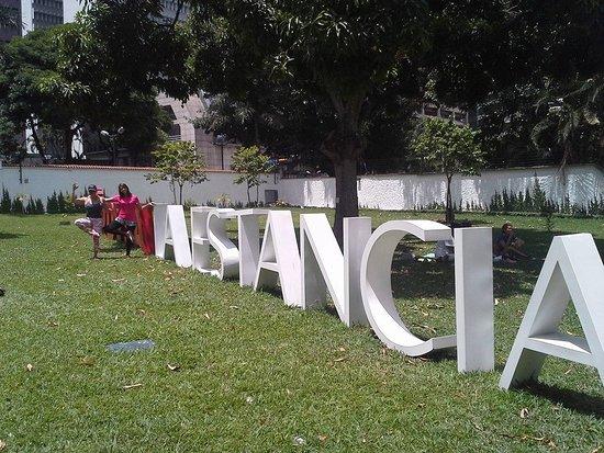 Pdvsa Centro de Arte La Estancia : auuun