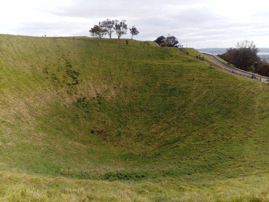 Mount Eden: Volcanic crater