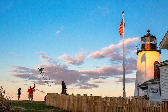 Rockland, ME: sunset and kites at Pemaquid
