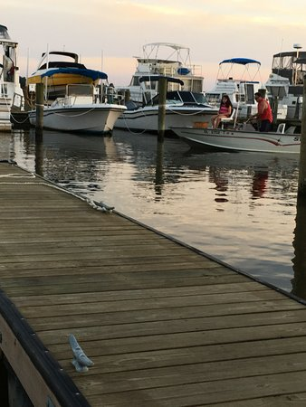 Chestertown, MD: Rolphs Marina