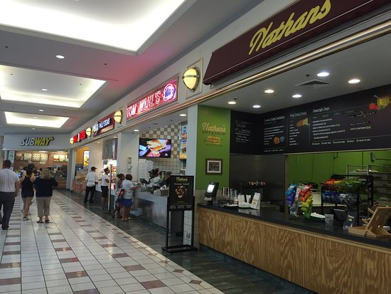 Victor, estado de Nueva York: Food court row