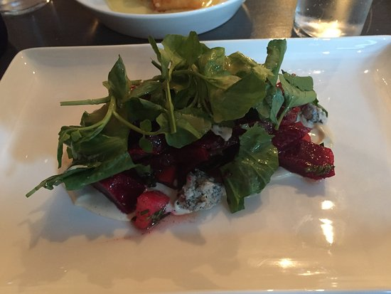 Poughkeepsie, NY: Roots salad