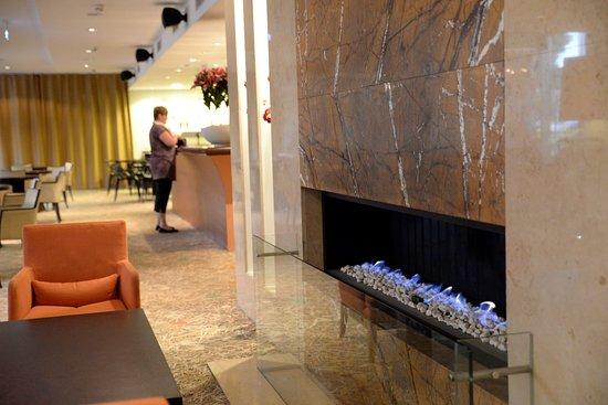 Nordic Hotel Forum: hall, bar