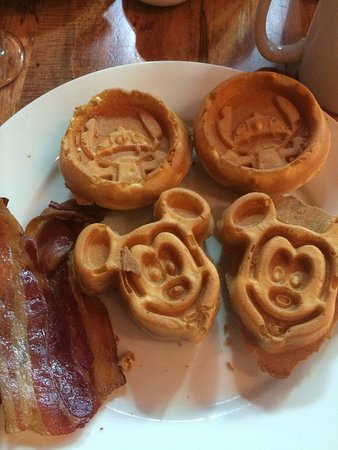 Kona Cafe: Mickey and Stitch Waffles with bacon. Yummy!