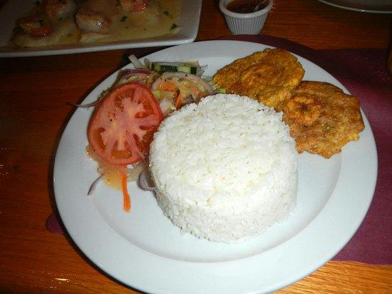 Pembroke Pines, Φλόριντα: White rice, shrimp sauce, inside restaurant