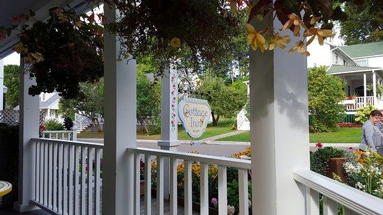 Cottage Inn of Mackinac Island: 20160821_092940_large.jpg