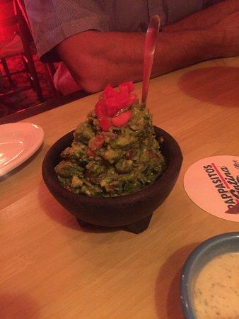 มารีเอตตา, จอร์เจีย: The Guacamole is freshly prepared at the table, a hint of jalapeño & oh so yummmy! Everyone was