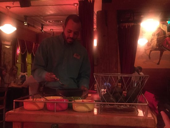 Marietta, GA: The Guacamole is freshly prepared at the table, a hint of jalapeño & oh so yummmy! Everyone was