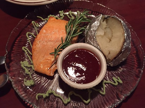 Schroon Lake, NY: Baked Salmon Special with wasabi sauce