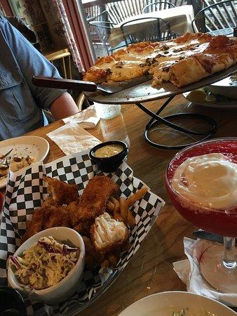 Wasilla, AK: Alaskan Halibut fish and chips! Sooo good!