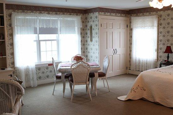 Maxwell Creek Inn Bed & Breakfast: Gaylord Suite