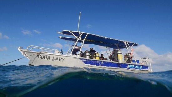 Kuata Island, Fiji: Kuata Dive Boat