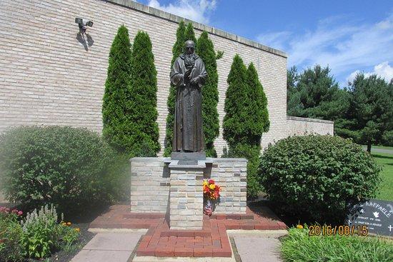 Barto, PA: Statue of Padre Pio
