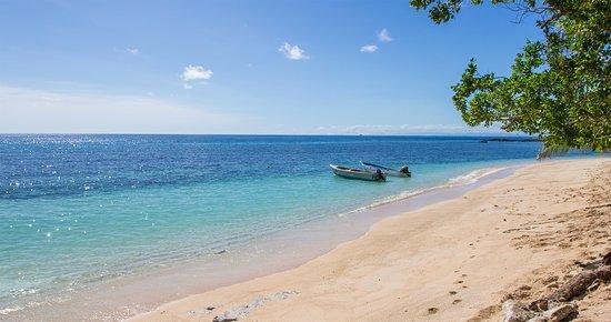 Kuata Island, Fiji: Kuata front Beach