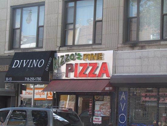 Astoria, NY: Store front.