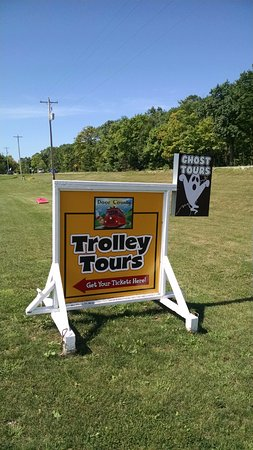 Egg Harbor, WI: Trolley Tour Sign