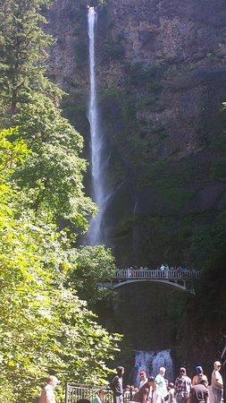 Columbia River Gorge National Scenic Area: Mulnamath Falls