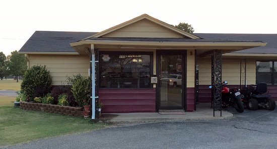 Vinita, OK: out side property