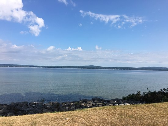 Petoskey State Park: Water clear as glass!!