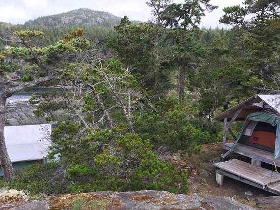 Heriot Bay, Kanada: Platform tents/camp