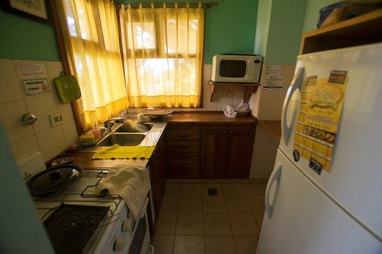 Bungalows Los Cipresales: La cocina completa