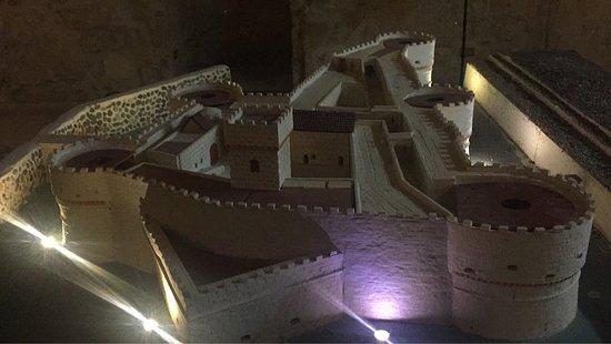 Castello Aragonese : photo5.jpg