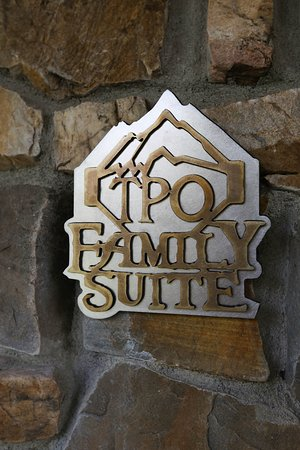 Victor, MT: Family Suite Detail