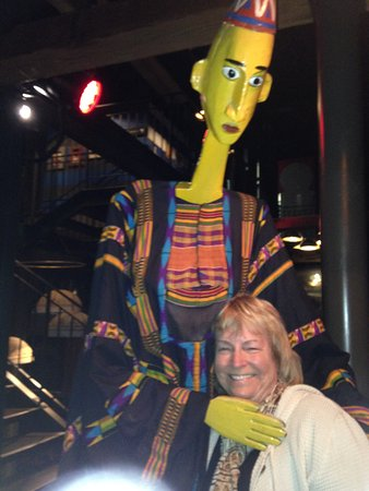 Gold Restaurant: A Mali puppet and my wife