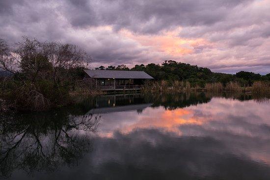 Plettenberg Bay Game Reserve, Sudáfrica: Boma at night