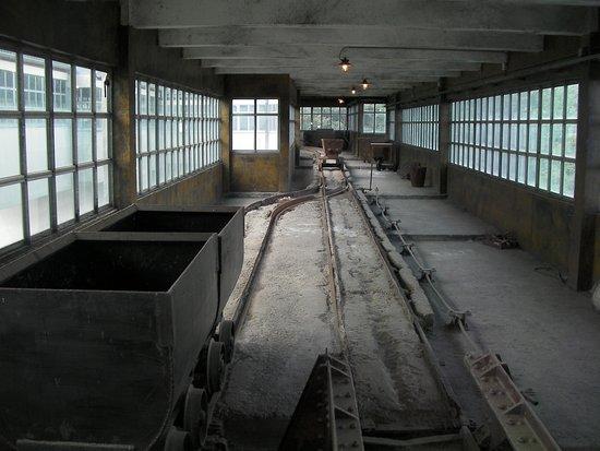 Blegny, Bélgica: coal trolley