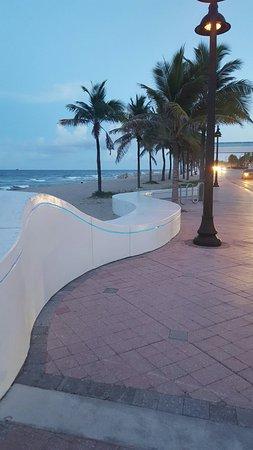 Fort Lauderdale Beach: 20160812_201217_large.jpg