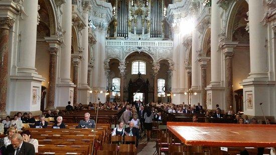 St. Florian, ออสเตรีย: 20160823_185858_large.jpg