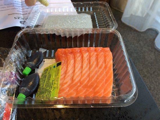 Twizel, New Zealand: 100gポーションのAlpine Salmon