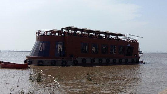Pirates Voyage Surat Restaurant Reviews Phone Number