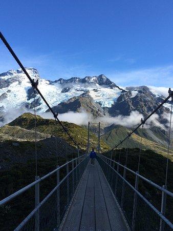 Aoraki Mount Cook National Park (Te Wahipounamu), New Zealand: 思わず、写真を撮りたくなる吊り橋