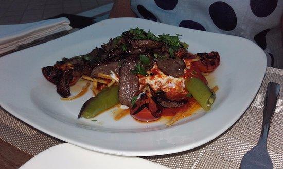 La Vita Restaurant: A recommedation of Firat. A good choice.