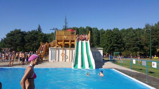 Mundo del agua piscinas valencia de don juan alles wat for Piscinas leon valencia don juan