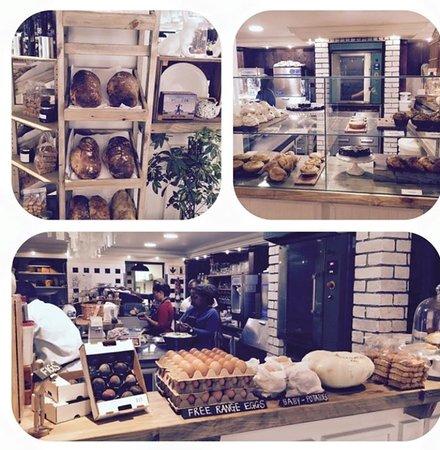 Oskars Delikatessen : Oskars Restaurant & Bakery
