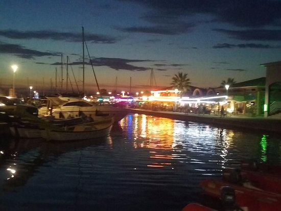 Le palais oriental saint rapha l - Restaurant port santa lucia saint raphael ...